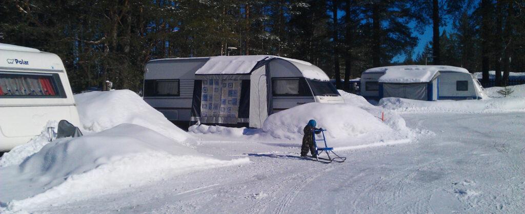 Teltta- ja caravanpaikat Tahkolla